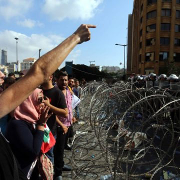 Libanese jeugd pikt het niet langer