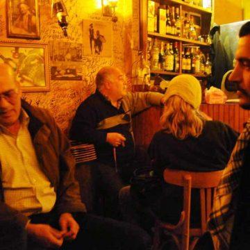 'Alsof er in Caïro of Damascus geen cafés zijn...'