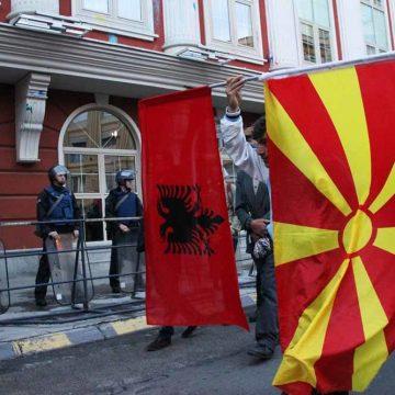 Macedonië staat op klappen