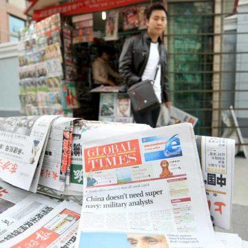 Een Chinese hoofdredacteur loopt constant op eieren