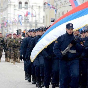 De volgelingen van Karadzic vieren feest