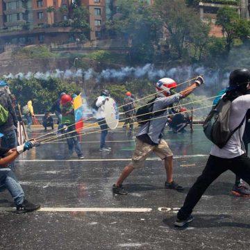 Niet Maduro maar het leger heeft de macht in Venezuela