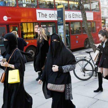 Vrouwen, ontsluiert u in het Westen