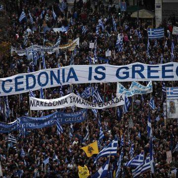 Macedonië, pas je naam aan en word lid van NAVO en EU