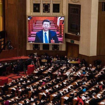 Westen bekritiseert wetswijziging Xi Jinping