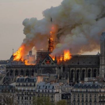Moet de Notre-Dame precies worden nagebouwd?