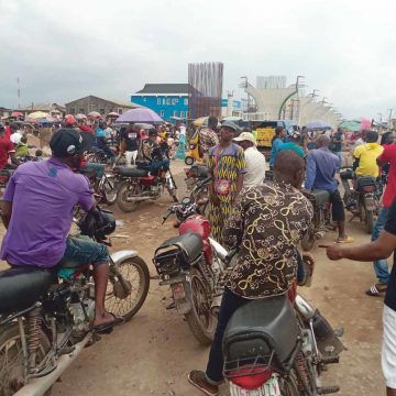 Lagos: megastadpermanent in wording