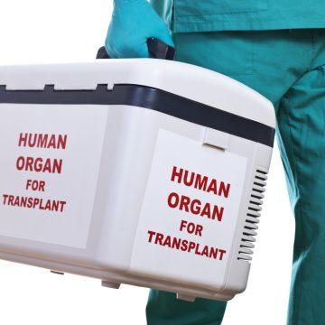 Hoe organen voor levensreddende transplantaties onderweg zoekraken
