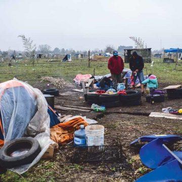 Argentijnse families bezetten uit nood onbebouwd land