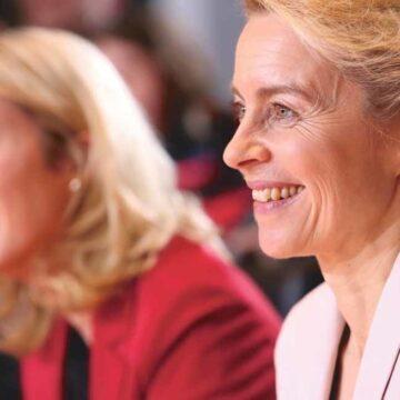 Wie gaat er schuil achter Mrs Europe?