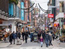 Zweden houdt ook na vernietigend rapport vast aan soepel coronabeleid