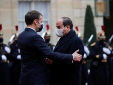 Italiaanse journalist geeft Legion d'Honneur terug