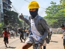 Myanmar lijkt op een oorlogsgebied, maar slechts een van de partijen heeft wapens
