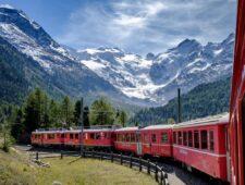 Het woord 'vliegschaamte' kent inmiddels ook zijn tegenhanger, 'treintrots'