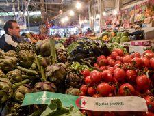 Algerije zucht onder hoge voedselprijzen | Biden: Rusland achter cyberaanval