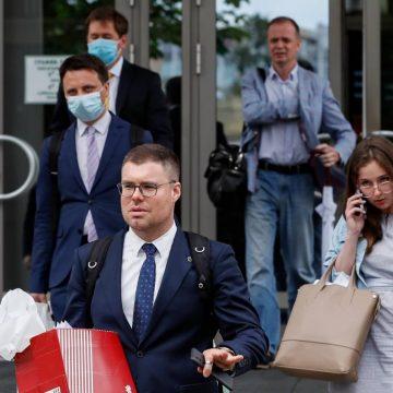 De VS geven 500 miljoen vaccins weg  | Rechtbank noemt Navalny's organisatie 'extremistisch'