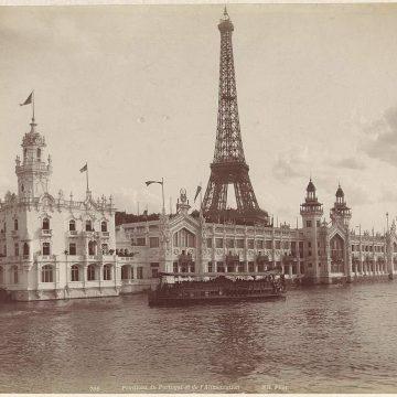De Eiffeltoren heeft hulp nodig | Honderd jaar Chanel No 5