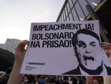 Schandaal rond Bolsonaro bij aankoop vaccins | Massale cyberaanval in VS