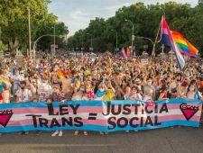 Baanbrekende transwet in Spanje   Noorwegen verbiedt geretoucheerde foto's