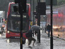 Overstromingen in Londen | Taliban dreigen Kandahar in te nemen