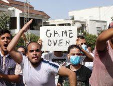 Tunesische president stuurt premier en parlement weg | Vrachtschepen grote vervuiler