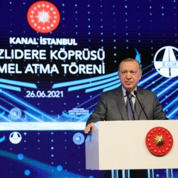Wie betaalt de rekening voor Erdogans 'krankzinnige' kanaal?