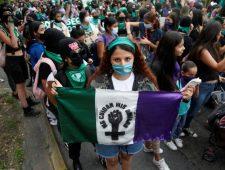'Historische' abortusuitspraak in Mexico | Myanmar laat extremistische monnik vrij
