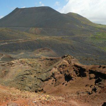 Canarische Eilanden vrezen vulkaanuitbarsting | 27 jaar voor kinderpornohost