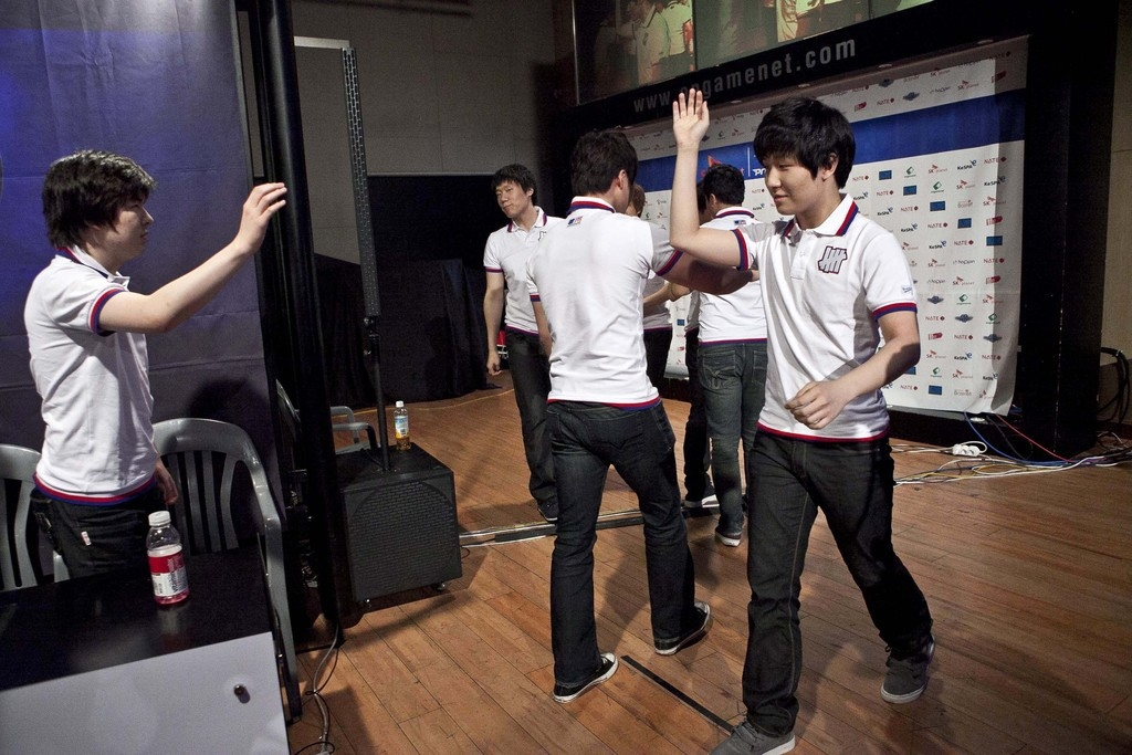 Gamers tijdens de 'SK Planet Starcraft Proleague-game' in het e-Sports Stadium in Seoul. – © Jean Chung / Bloomberg