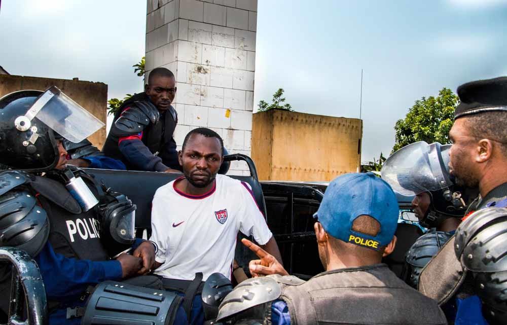 rrestatie van een demonstrant in Goma, afgelopen december. – © Jc Wenga / Getty Images
