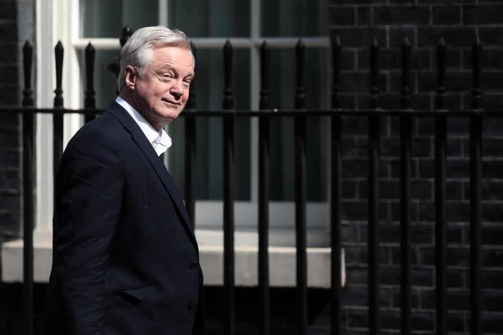 David Davis brengt een bezoek aan Downing Street 10, in juni dit jaar. – © Simon Dawson / Getty