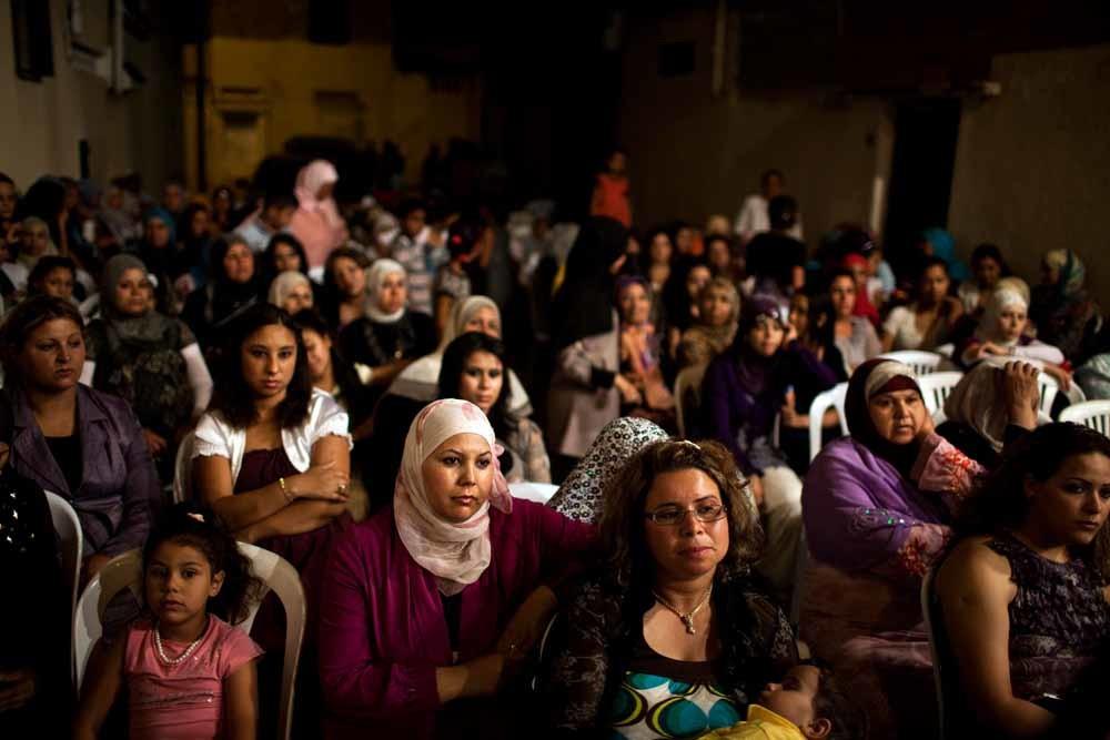 Een Tunesisch huwelijksfeest. Als het aan de president ligt mogen Tunesische vrouwen binnenkort ook met niet-moslims trouwen. © Fabio Bucciarelli / HH