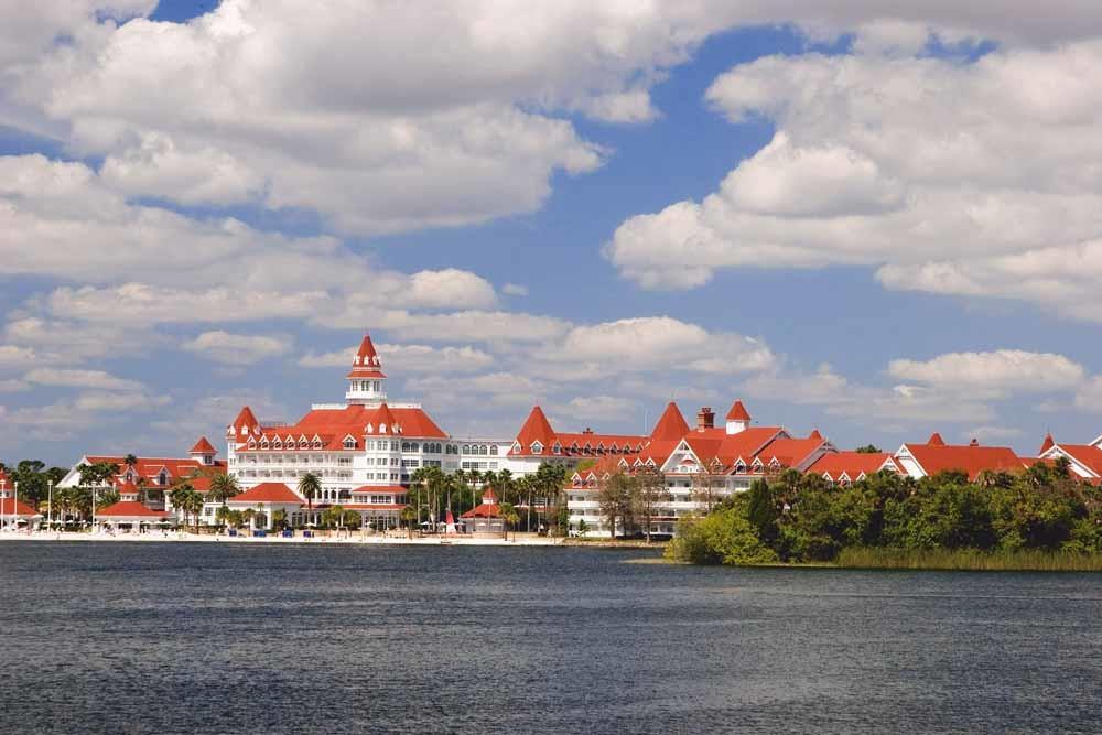 Het 'griezelige' Bay Lake Resort van Disney in Orlando, Florida. 'In feite een politiestaat met The Mouse aan het hoofd.' – © Getty Images