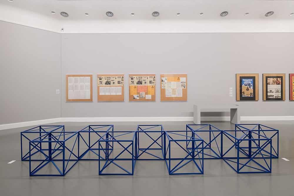 1. Museum De Pont; 2. Werk van Rasheed Araeen. – © Peter Cox; 3. Kim Kyung-Mook.