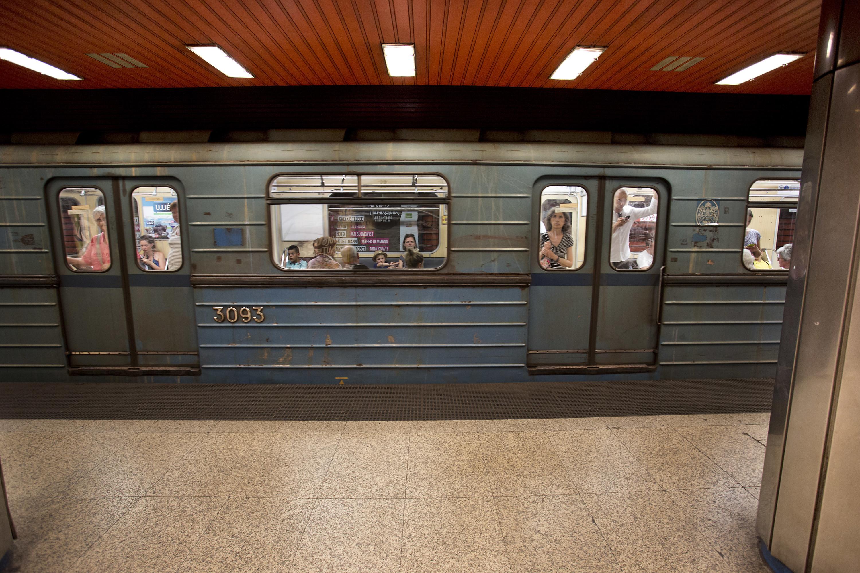 De oude M3-lijn op een station in Boedapest, Hongarije, 2014. – © Nikita Shvetsov / Anadolu Agency / Getty Images