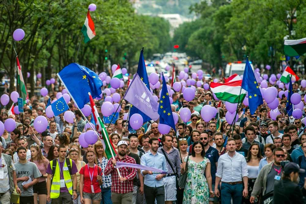 Massaal protest tegen de regering in Boedapest. – © Zoltan Balogh / HH