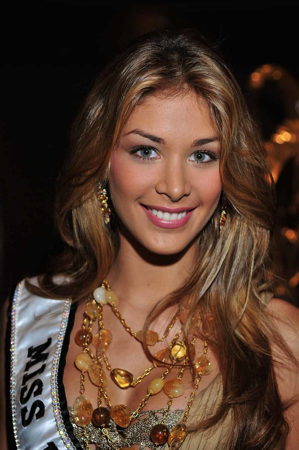 De Venezolaanse Miss Universe 2008 Dayana Mendoza. Venezuela gooit steevast hoge ogen bij missverkiezingen. – © Brian Killian / WireImag