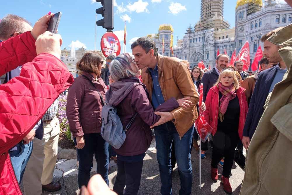De toen nog leider van de Spaanse Socialistische Partij, Pedro Sánchez op de Dag van de Arbeid in Madrid. – © Oscar Gonzalez / Getty