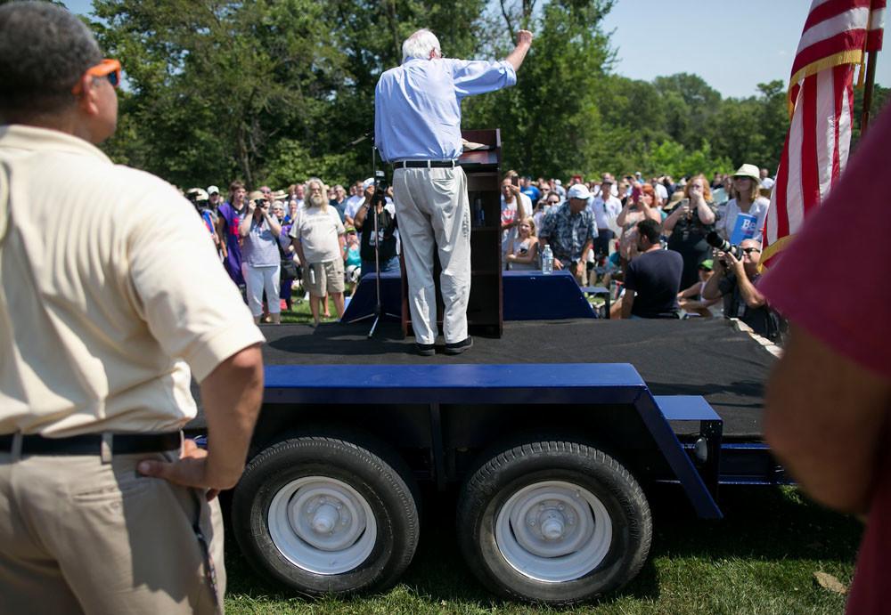 Toespraak tijdens de Scott County Democrats Picnic in the Park in Eldridge, Iowa. – © Al Drago / Getty Images
