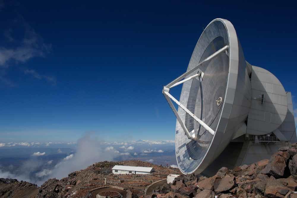 De Large Millimeter-telescoop vlak bij Atzitzintla, Mexico. Astronomen vallen tegenwoordig ook ten prooi aan het Mexicaanse drugsgeweld. © Hollandse Hoogte