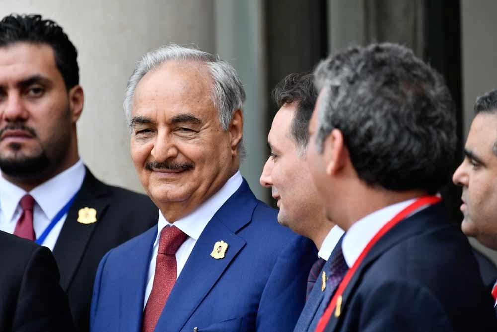 Khalifa Haftar op de internationale conferentie in Parijs over Libië, op 29 mei 2018. – © Getty Images