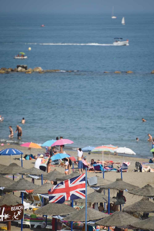 De Britse vlag aan het strand van het Spaanse Benalmadena. © Getty Images
