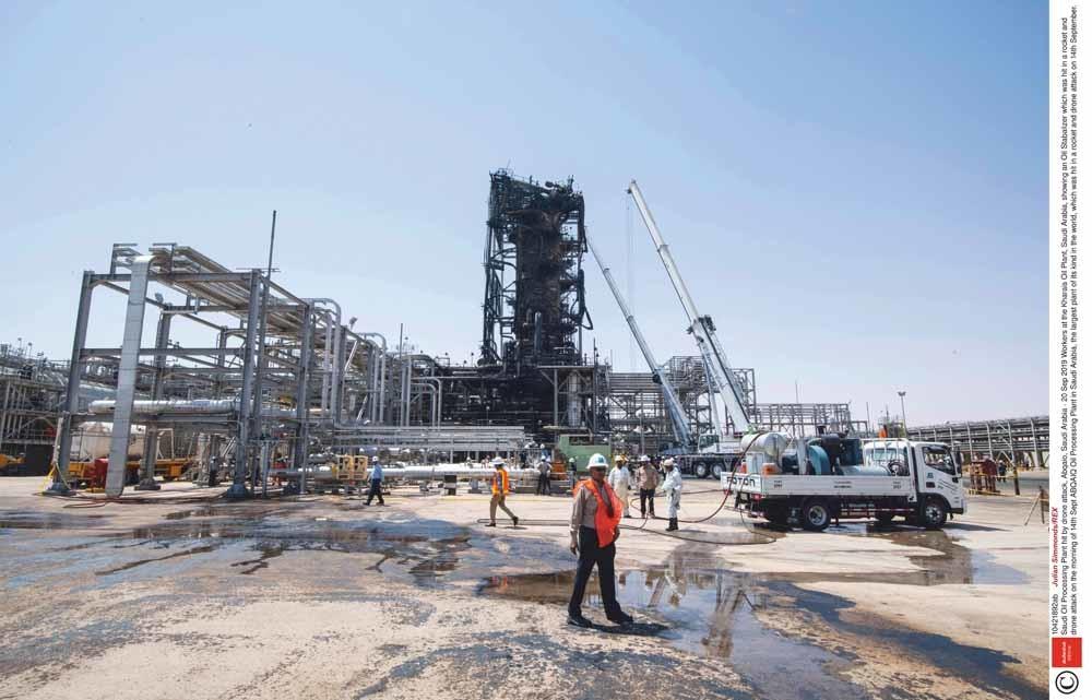 De olie-installatie Kharais, de grootste ter wereld in zijn soort, werd op 14 september getroffen door een droneaanval. – © Julian Simmonds / REX