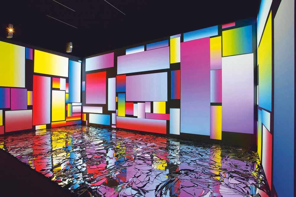 'Random Fear with Mirrors' van Rafaël Rozendaal in de tentoonstelling Trouble in Paradise, Kunsthal Rotterdam. – © Job Janssen & Jan Adriaans