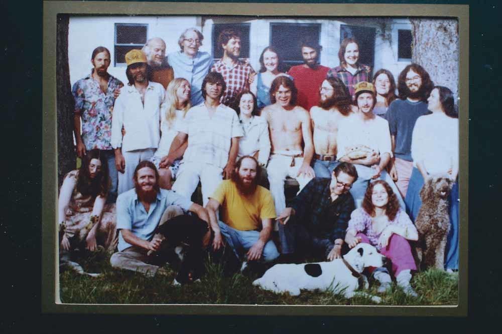 De oorspronkelijke leden van de Alpha Farm-commune, opgericht in de jaren zestig in Oregon. – © Gilles Mingasson / Getty
