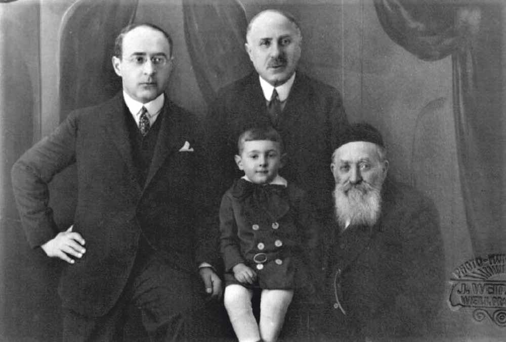 Arlen met v.l.n.r. zijn oom Salomon Dichter, zijn opa Leopold en zijn overgrootvader Isidor, begin jaren twintig.