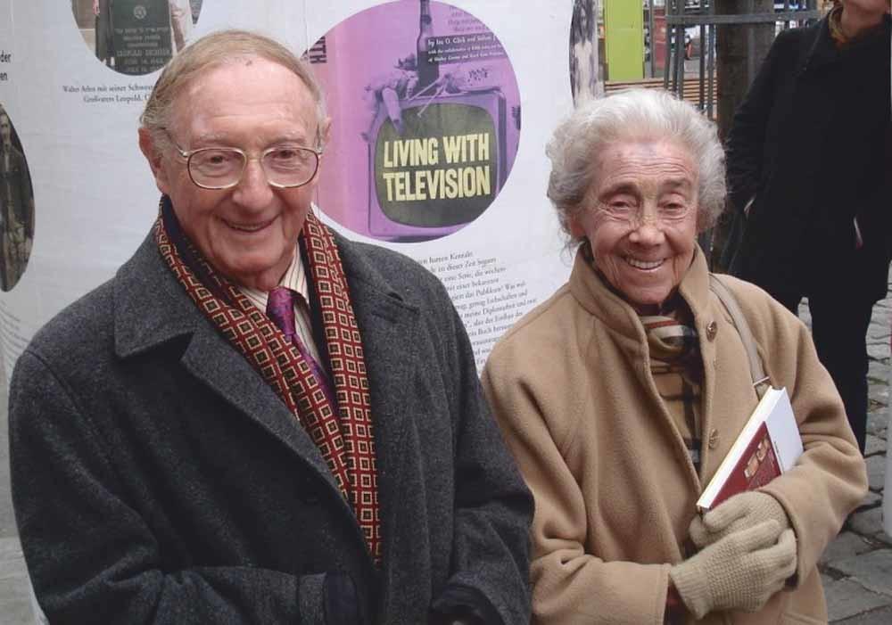 Arlen met zijn zus Edith in Wenen, 2008.