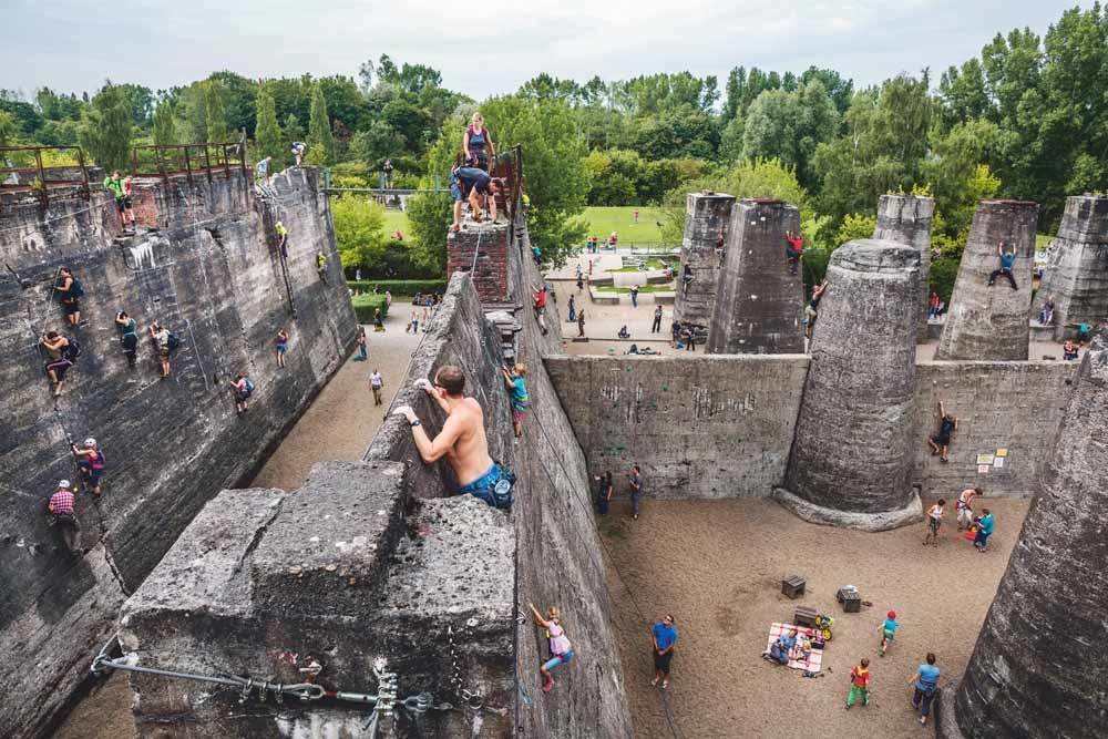 Landschaftspark Duisburg-Nord, Duitsland, voor de serie 'Herenigd Duitsland', 2015 – ©Lars van den Brink
