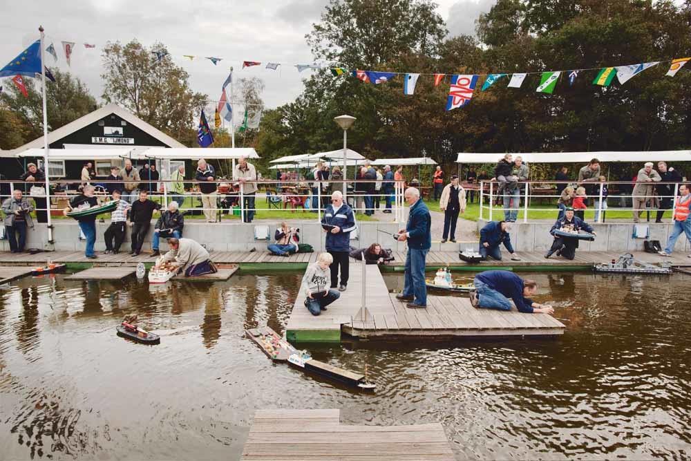 Opendag bij scheepsmodelbouwclub Heemskerk, Nederland, A happy day in Europe, 2014. – © Lars van den Brink