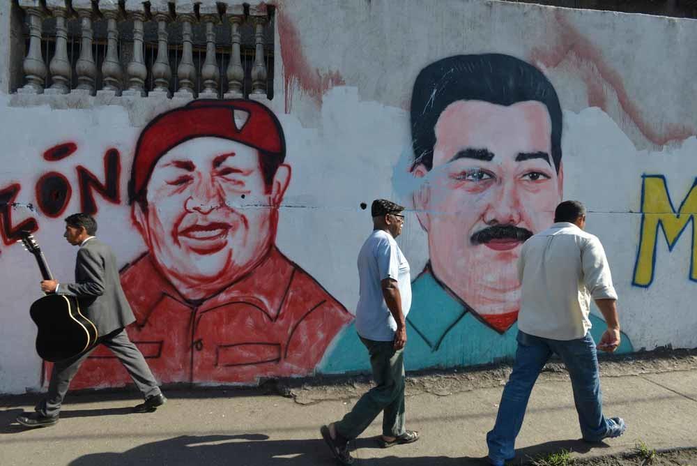 Muurschildering van Nicolas Maduro en Hugo Chavez in Caracas, Venezuela. – © Gregorio Marrero / Getty